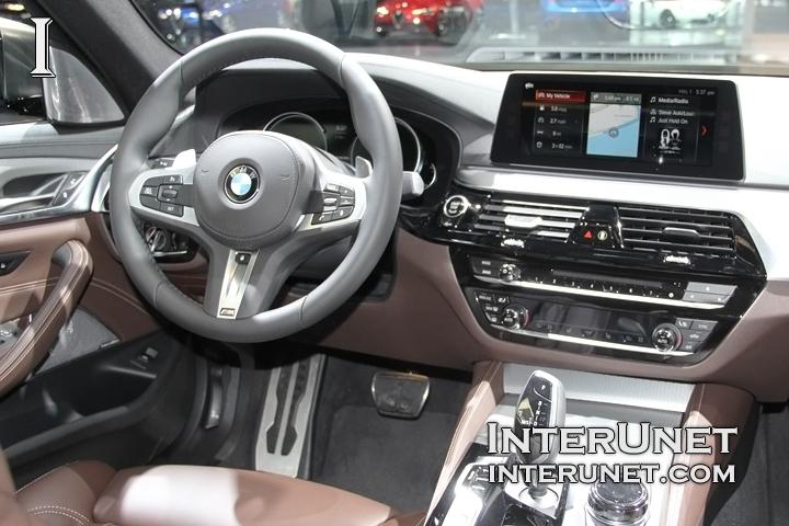 2018-BMW-M550i-inside