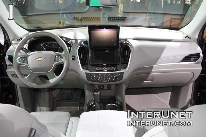 2018-Chevrolet-Traverse-AWD-interior