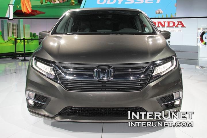 2018-Honda-Odyssey-front