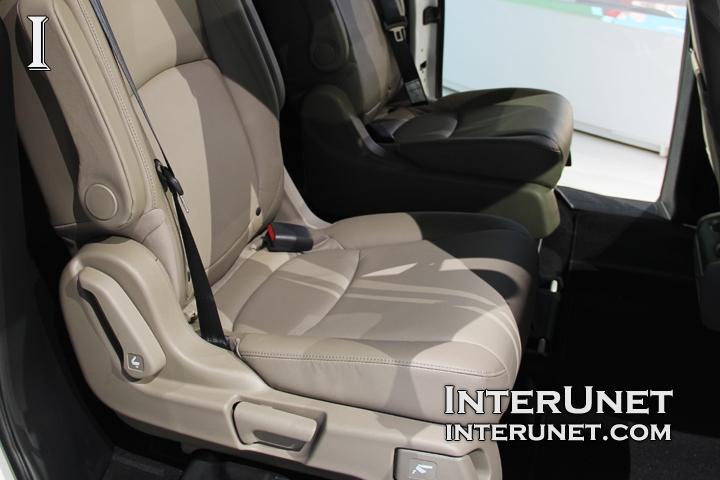 2018-Honda-Odyssey-leather-seats