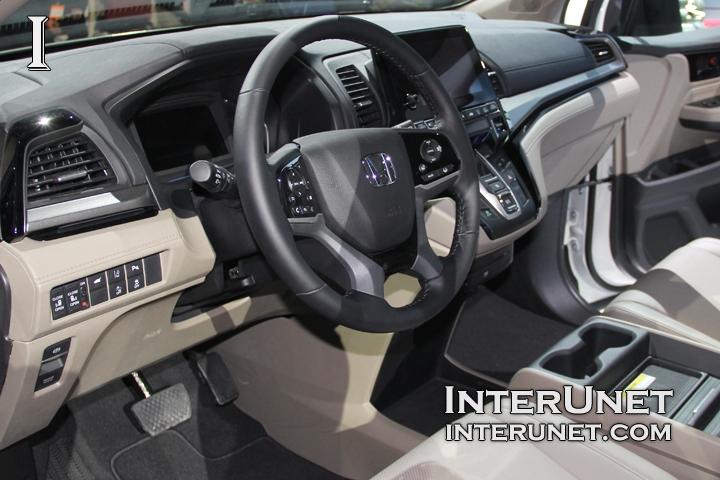 2018-Honda-Odyssey-steering-wheel