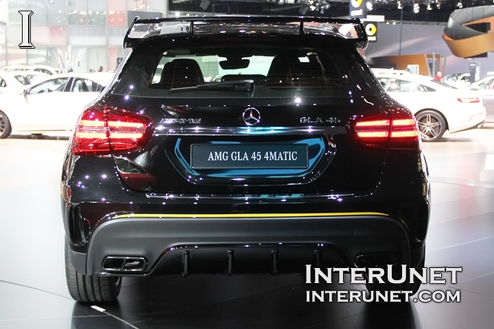 2018-Mercedes-Benz-AMG-GLA-45-4Matic-rear