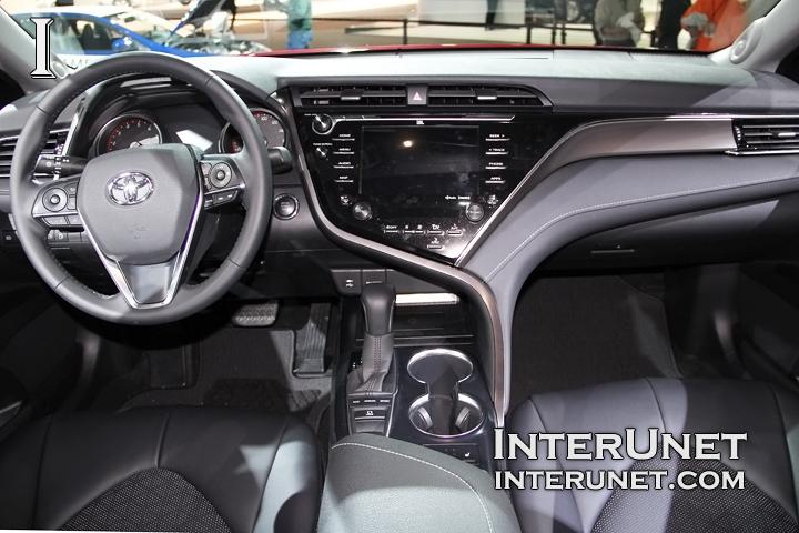 2018-Toyota-Camry-interior