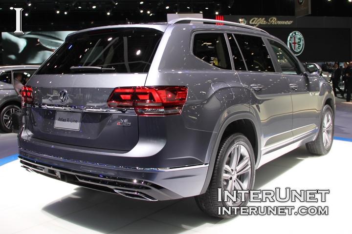 2018-Volkswagen-Atlas-R-Line-side