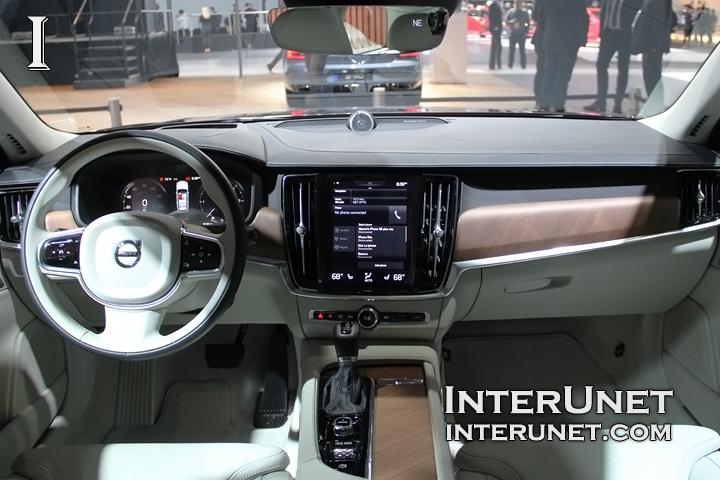 2018-Volvo-V90-T6-Wagon-inside