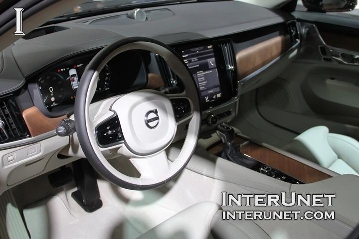2018-Volvo-V90-T6-Wagon-interior