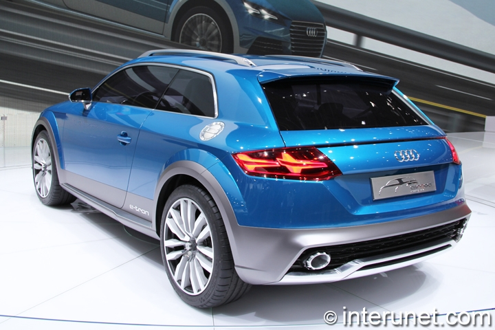 Audi-all-road-shooting-brake-concept-rear-and-side-view