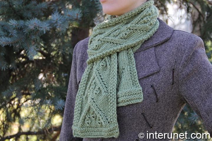 women's-Christmas-scarf