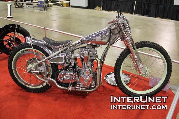 Custom-Ducati-Triumph