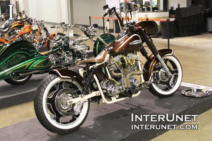Harley-Davidson-FLH-custom