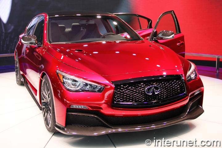 Infiniti-Q50-Eau-Rouge-front-view