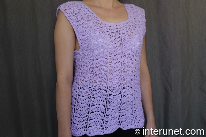Japanese-fan-stitch-women's-top-crochet-pattern