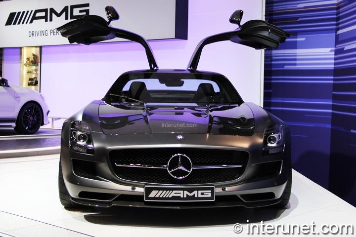 Mercedes-Benz-SLS-AMG-GT-front-view