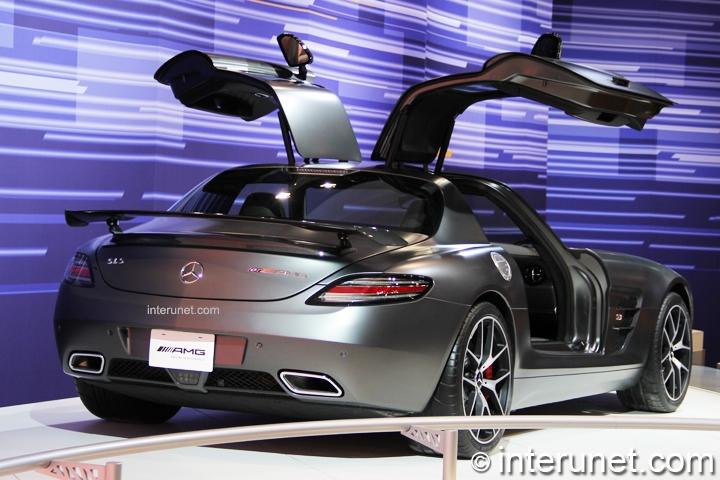 Mercedes-Benz-SLS-AMG-GT-rear-view