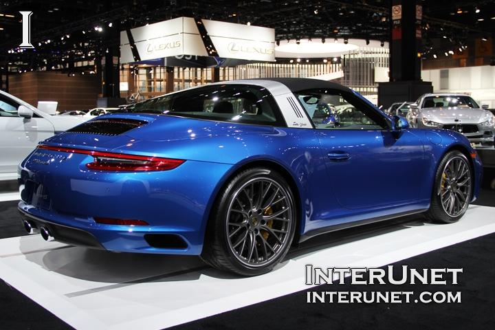 2017-Porsche-911-Targa-4S-rear-side