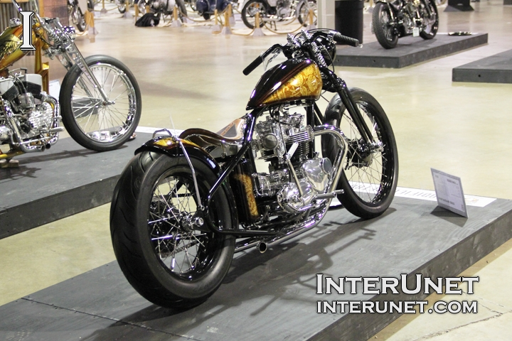 custom-Triumph
