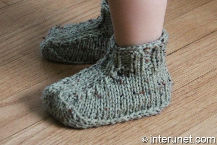 child-booties-knitting-pattern