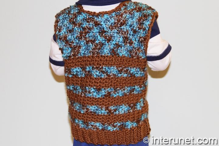 boy's-sleeveless-sweater-crochet-pattern
