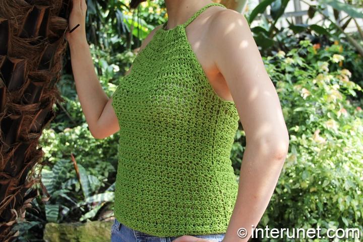 crochet-sleeveless-summer-blouse