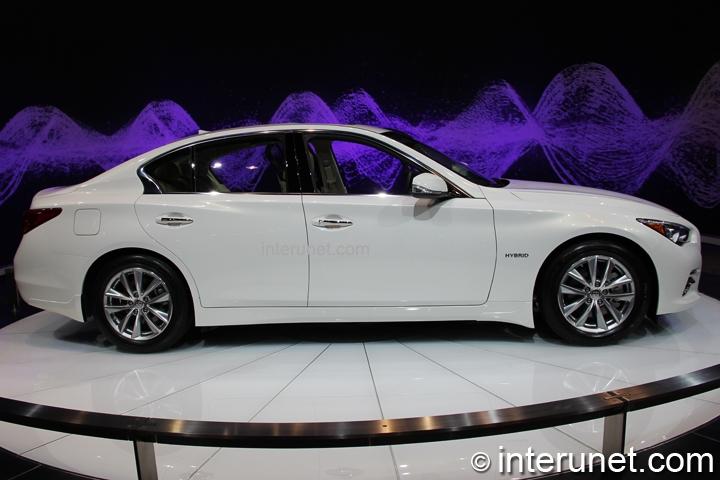 infiniti-Q50-hybrid-side-view