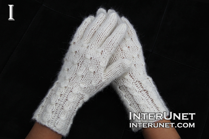 knitted-gloves-with-fingers