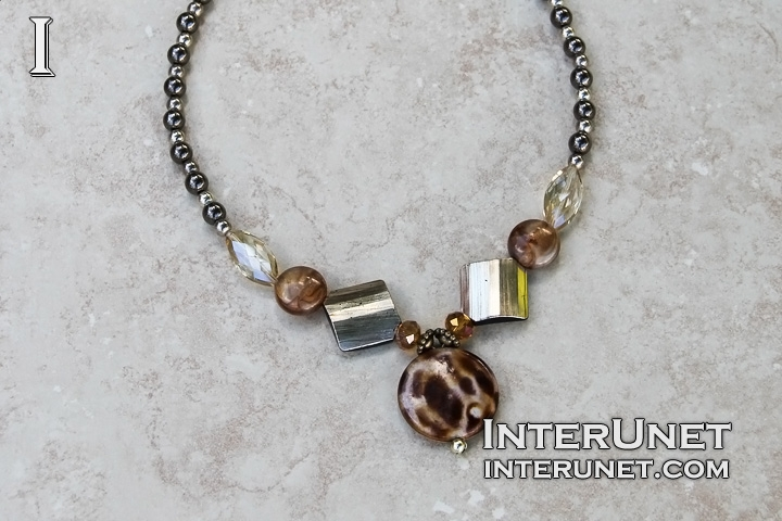 necklace-from-beads