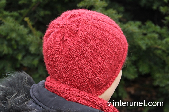knitted-hat-double-braid-stitch