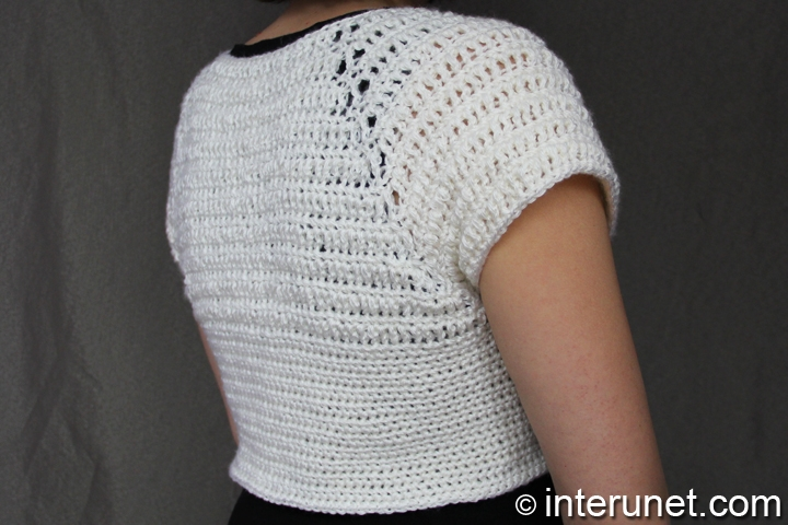 short-sleeve-women's-top-crochet-pattern