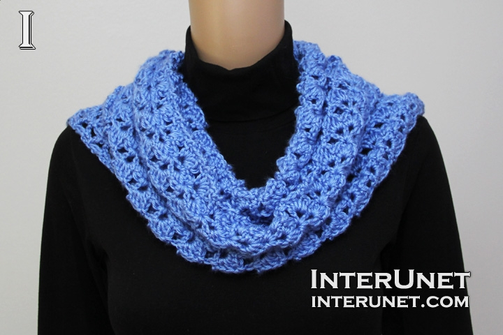 wearing-scarf-around-neck