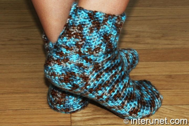 women's-socks-crochet-pattern