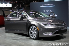 2015-Chrysler-200C