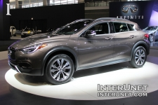 2017-Infiniti-QX30-exterior