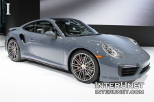 2017-Porsche-911-Turbo-side