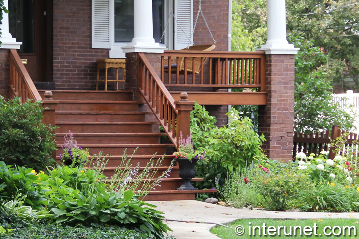 stylish-front-porch