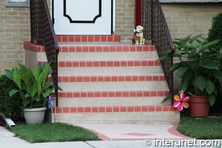 stylish-steps-to-tiny-porch