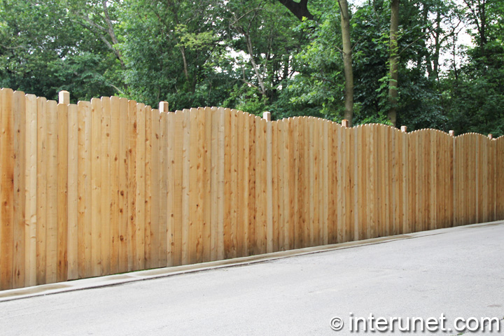 wavy-wood-fence
