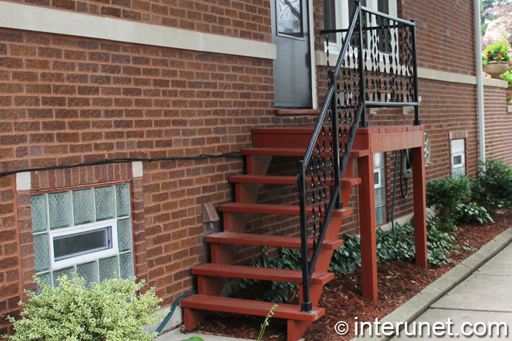 wood-steps-painted-red