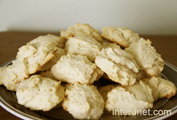 cottage-cheese-cookies-on-the-plate