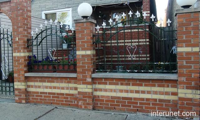Brick Steel Fence With Decorative Light Picture Interunet