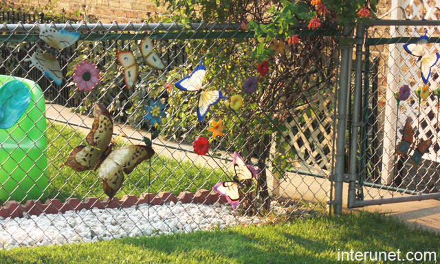 Chain Link Fence Decorated Picture Interunet