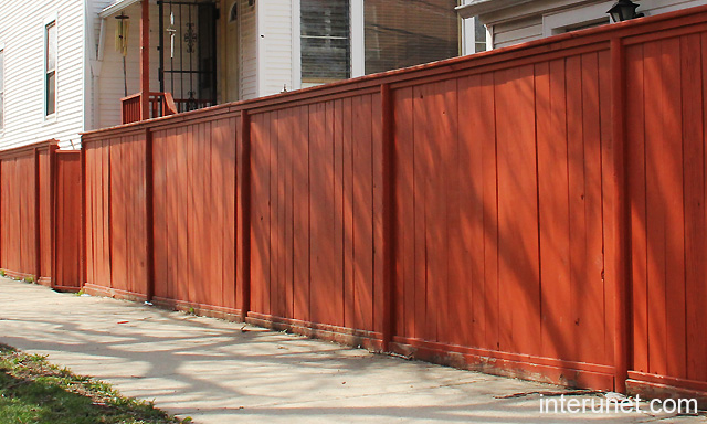 Simple Wood Fence Painted Red Picture Interunet