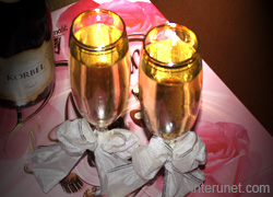 glasses-with-champagne